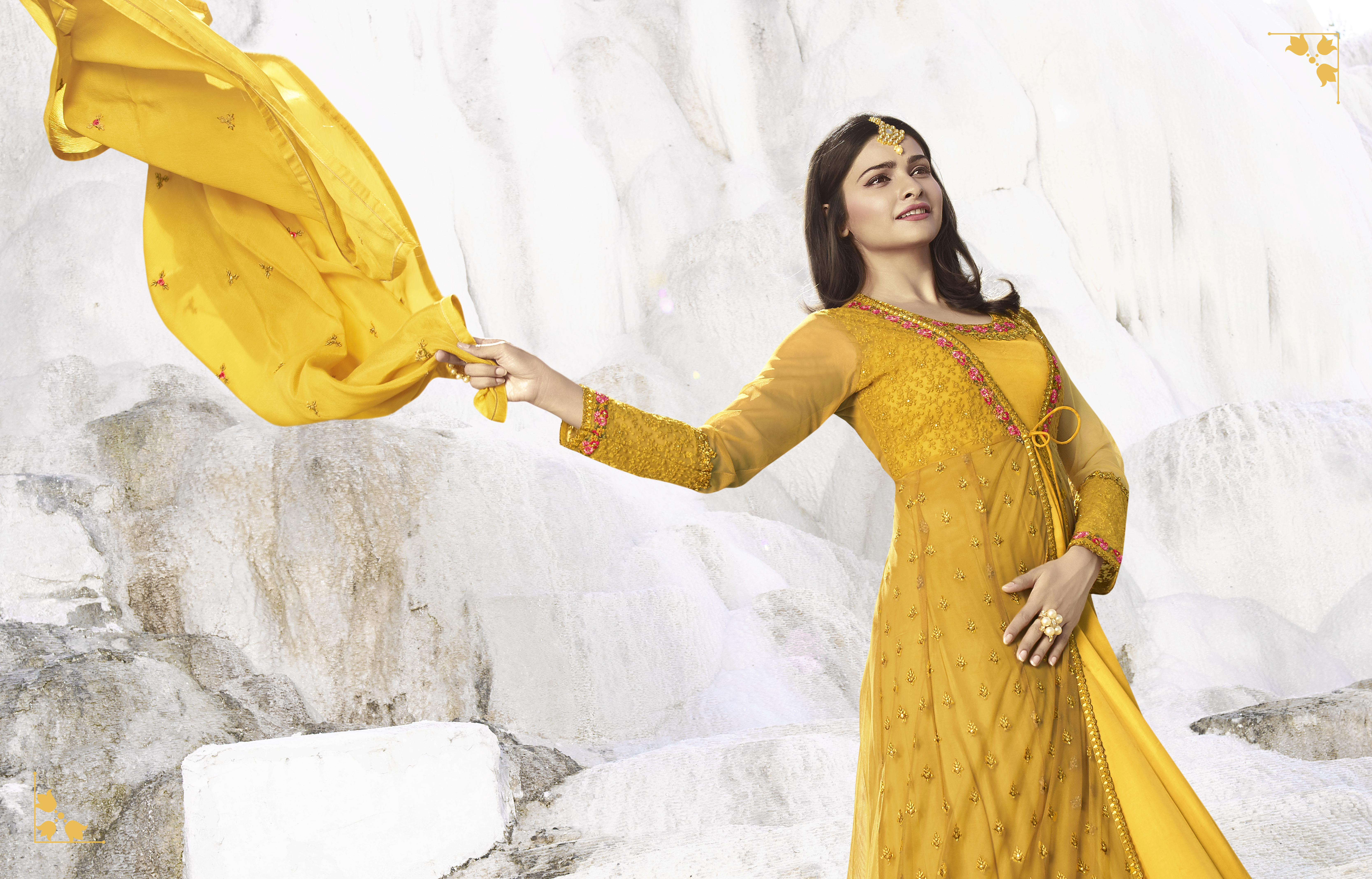 Prachi Desai Nylon Net Embroidered Semi Stitched Full Anarkali Suit