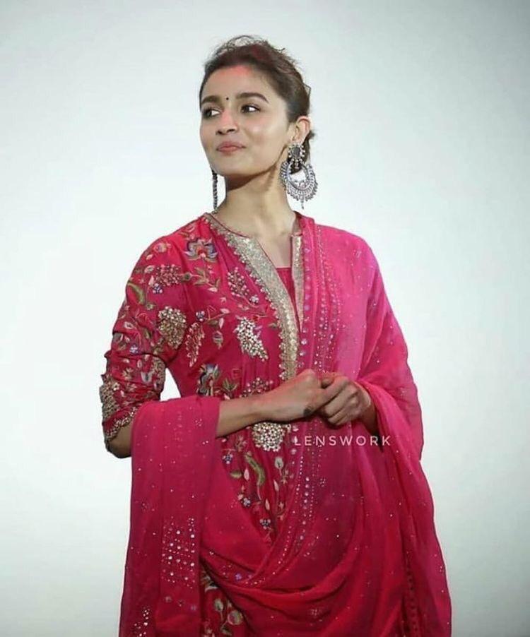Alia Bhatt Beautiful Indo Western Style Top-Lehenga And Dupatta