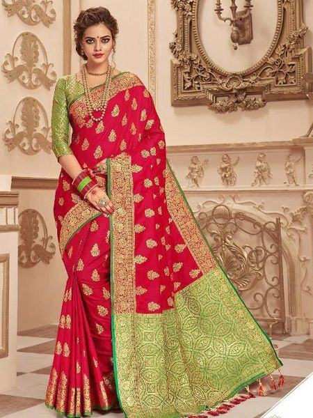Buy Dark Pink Banarasi Silk Saree with Heavy Pallu Online in India - YOYO Fashion